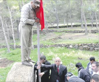مغاربة يحررون منبع مياه ادعت إسبانيا سيادتها عليه