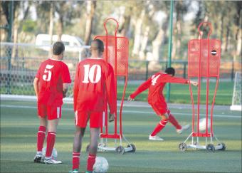 أكاديمية محمد السادس... الدراسة قبل الكرة