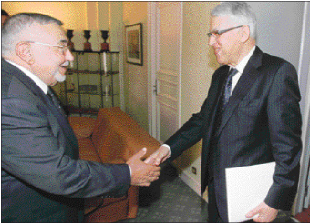 الراضي  اقترح تولي الأغلبية رفع مطلب الإصلاح الدستوري إلى الملك