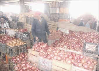 سوق الجملة بالبيضاء... بورصة للخضر والفواكه