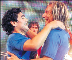 كانيجيا: مارادونا الأفضل في التاريخ وميسي الأفضل حاليا