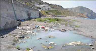 كارثة بيئية تهدد شاطئ تلايوسف بالحسيمة