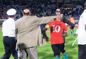 الشغب يفسد مباراة ليبيا والجزائر بالبيضاء