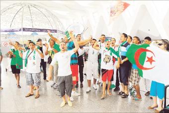 جزائريون يطالبون بفتح الحدود لمتابعة مباراة ليبيا
