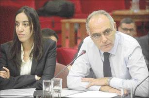 مزوار يبحث عن كفاءات لتعزيز عمل الدبلوماسية