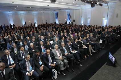 تشخيص أزمة النظام العالمي في منتدى باريس