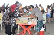 صفقات مشبوهة في تغذية المخيمات