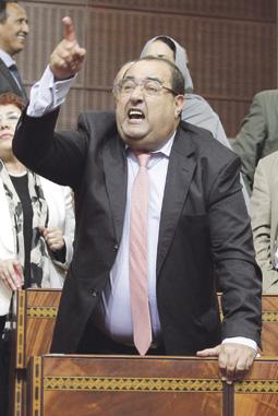رئيس الحكومة ينظم انتخابات باطلة بالبيضاء