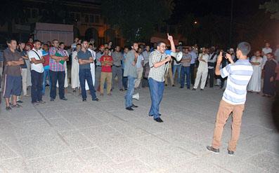 حرب المواقع بجامعة فاس تنتقل إلى الشوارع