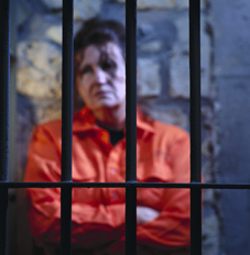 الحبس لفرنسية أصدرت شيكا بدون رصيد