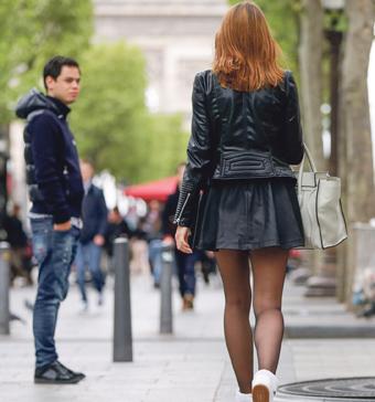 اتهامات متبادلة بين الرجال والنساء