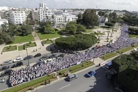 20 ألف طبيب في مسيرة