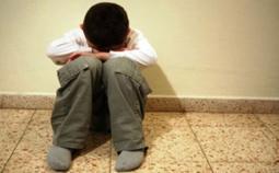 الحبس لمتهمة بتعذيب ابنها بالتبني