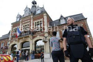 مذبحة بفرنسا وسط صراع بين الأجهزة الأمنية