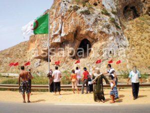 مطالبة جزائرية بفتح خط جوي بين وهران ووجدة