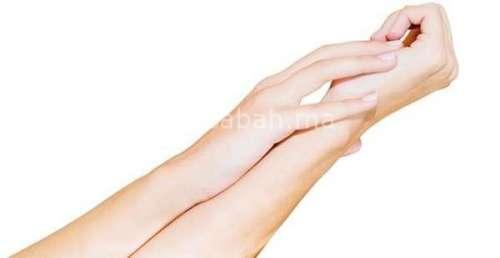 مكونات طبيعية لتبييض اليدين
