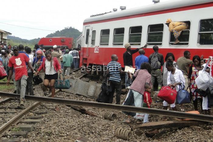 صور صادمة لضحايا خروج قطار عن مساره بالكامرون