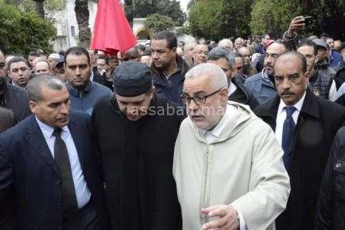 صور حصرية لحضور بنكيران لجنازة ابن شقيقه رفقة أخنوش وعدد من قياديي العدالة والتنمية