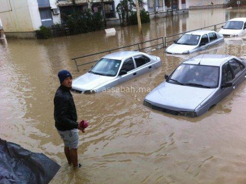 مدن جزائرية تتنفس تحت الماء بسبب الأمطار