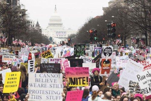 أمريكيات يهاجرن جماعيا إلى أوربا احتجاجا على ترامب