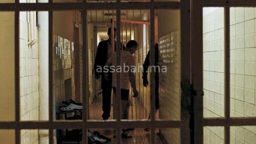 فرار متهم مصفد من مقر للشرطة