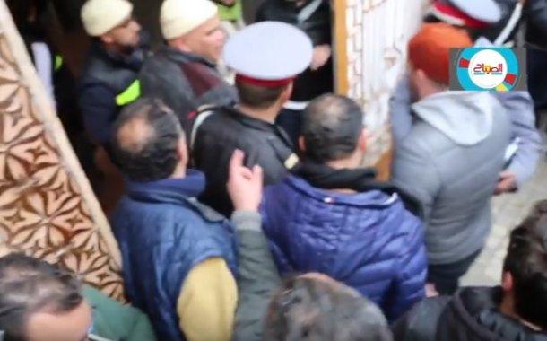 فيديو ... من قلب جنازة حمزة بن العباس شيخ الطريقة القادرية البوتشيشية