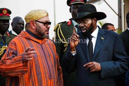 فيديو .. الملك يرتدي الزي التقليدي بجنوب السودان