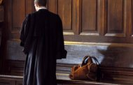 التشطيب على محام استولى على نصف مليار