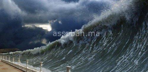 بالفيديو ..أمواج عالية تضرب سواحل سلا والرباط والبيضاء