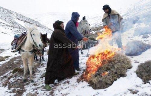 الثلوج تضاعف معاناة سكان جبال أزيلال