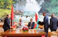 الملك يبعث بمساعدات لمدغشقر بسبب إعصار