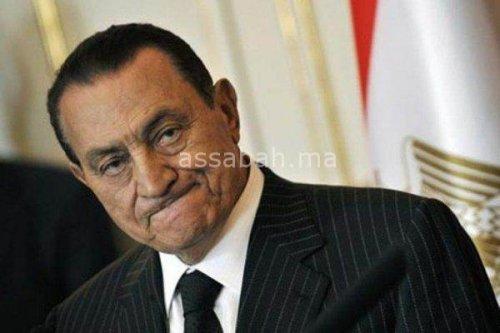 بعد البراءة .. مبارك يقاضي النيابة العامة بمصر