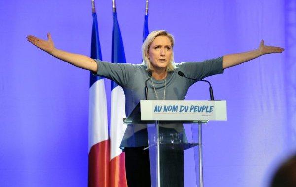 زعيمة اليمين الفرنسي في موسكو اليوم