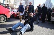 سائقو الطاكسيات يحذرون من حرب الشوارع