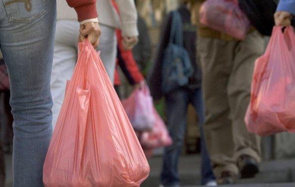 البلاستيك يجر شركات للتحقيق