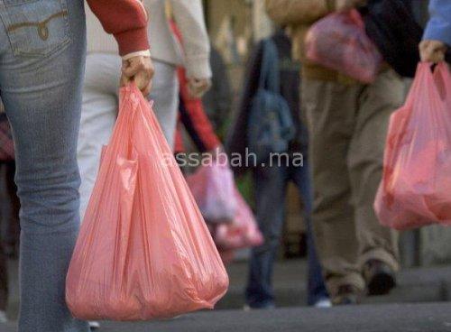 الأكياس البلاستيكية تعود إلى الأسواق