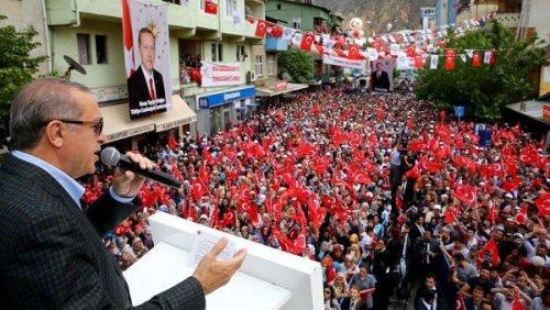 احتجاجات قوية ضد استفتاء أردوغان