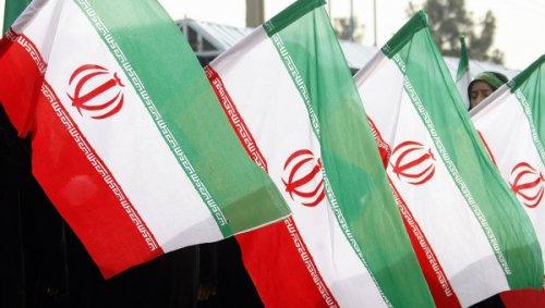 638 مرشحا للرئاسة الإيرانية