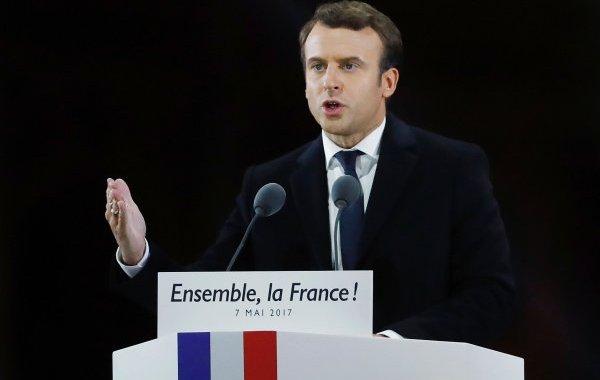 ماكرون: فرنسا ستشدد سياستها للهجرة مطلع 2018