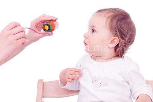 كيفية تقديم الدواء للطفل