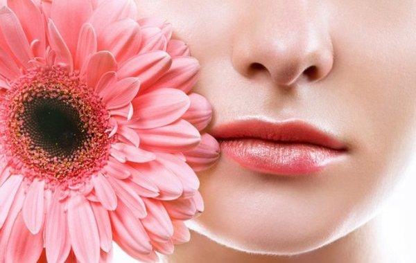 كريم العيون مفيد للشفتين