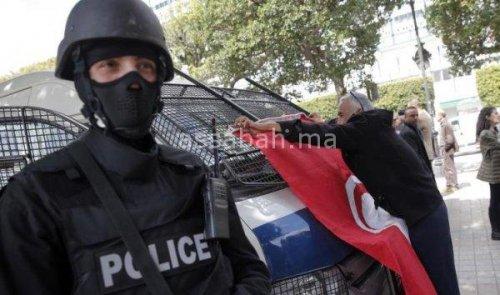 بريطانيا تتوقع هجمات إرهابية بتونس