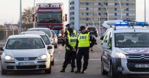 جريحان وقتيل في اعتداء بالسلاح الأبيض داخل مقر للشرطة في باريس