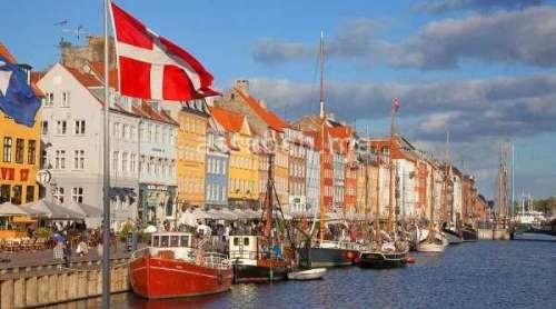 برقية تهنئة من الملك إلى عاهلة الدنمارك