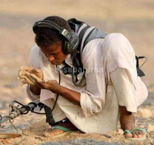 أجانب ضمن الباحثين عن الذهب بالصحراء