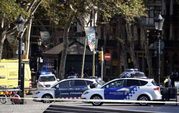 منفذ اعتداء برشلونة مغربي وهذه صورته