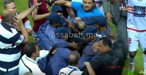 فيديو .. مواجهات لاعبي الفتح وحكم مباراة الترجي