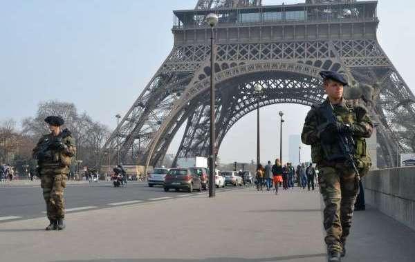 قتيل في هجوم بسكين بباريس
