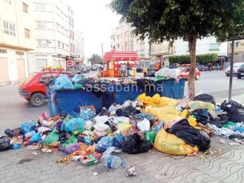 النفايات تغرق الناظور