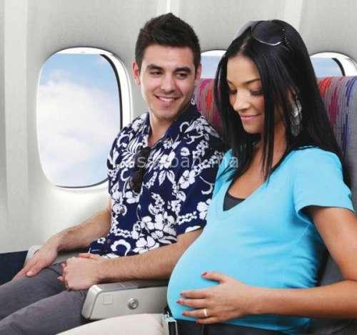 احتياطات خلال سفر الحامل